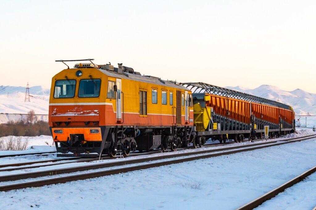 Поезд снегоуборочный самоходный