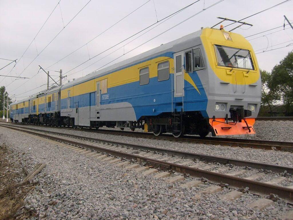 Рельсофрезерный поезд